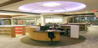 Canada – University of Victoria:  Article…. De-Colonizing The (Law) Library